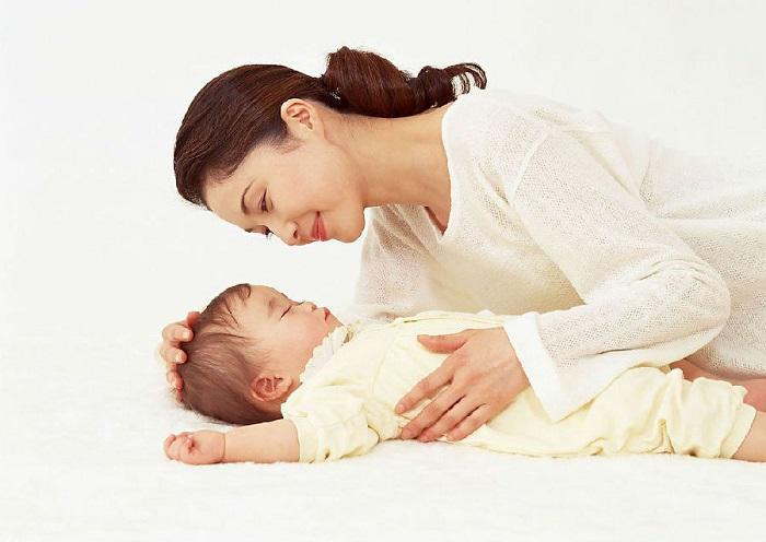 Tổng hợp những bài hát ru con ngủ hay nhất cho mẹ tập hát - BabyPlaza.net