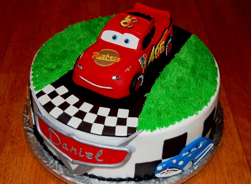 Mẫu bánh sinh nhật cho bé trai 2 tuổi 11