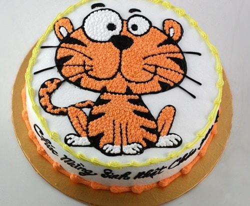 Mẫu bánh sinh nhật cho bé trai 2 tuổi 4