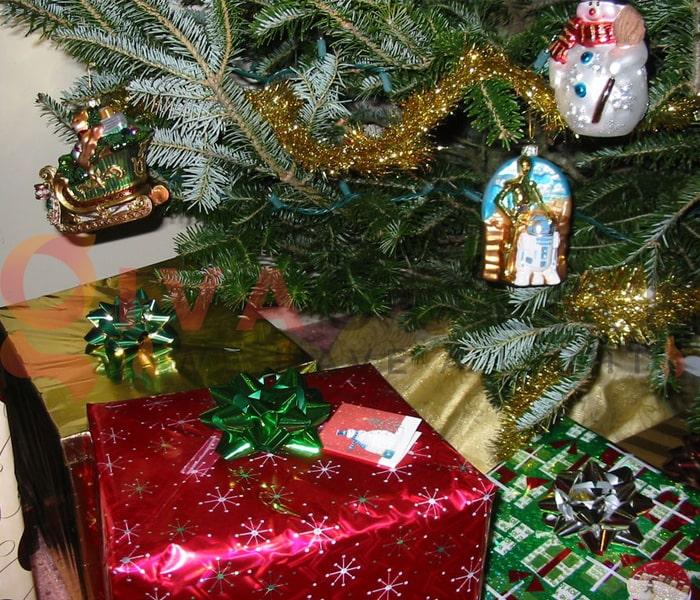 Hướng dẫn trang trí đèn cây thông Giáng Sinh 6