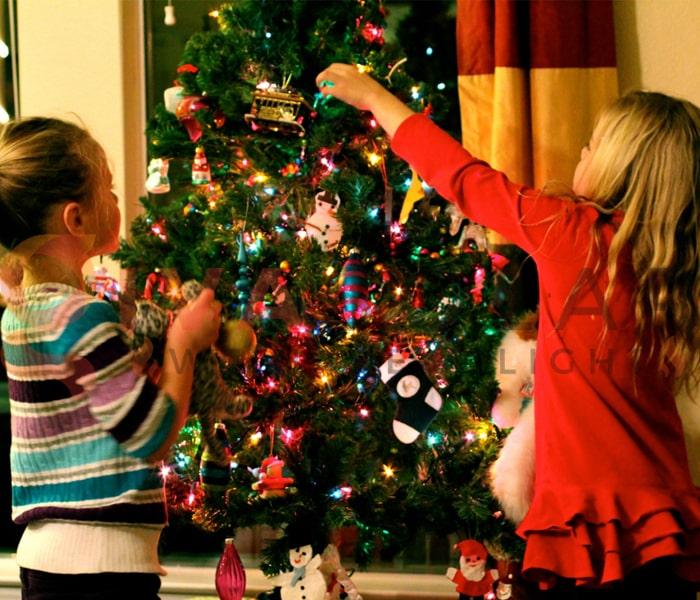 Hướng dẫn trang trí đèn cây thông Giáng Sinh 9